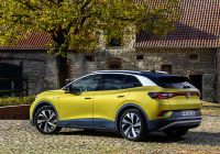 new-volkswagen-id4-goes-on-sale-in-the-uk