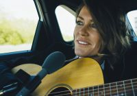 cerys-matthews-uses-electric-car-fleet-to-record-music-video