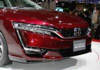 tokyo-debut-for-hondas-clarity-fuel-cell