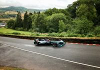 jaguars-formula-e-car-sets-new-electric-record-at-historic-hill-climb