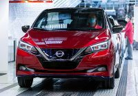 nissan-produces-500000th-leaf