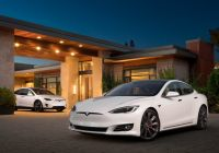 autopilot-improved-as-tesla-updates-vehicle-software