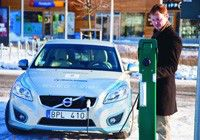 Volvo trials mobile EV charging scheme