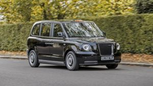 New electric black cab starts London trials