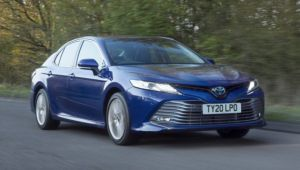 Toyota Camry 2.5 Hybrid review