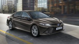Hybrid Toyota Camry set for the UK