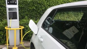 UK warned 60% of new cars in 2030 need to be electric