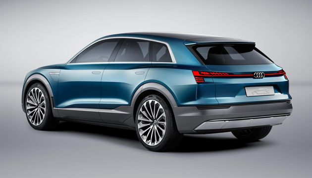 New Etron Quattro Concept Gives Public A Look At Audis Future EV - Audi ev