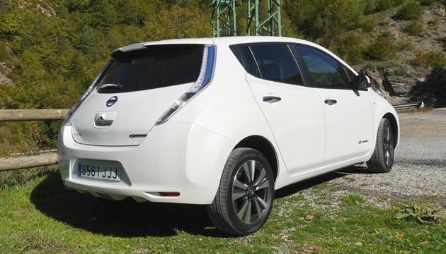 Nissan Leaf 30kWh rear