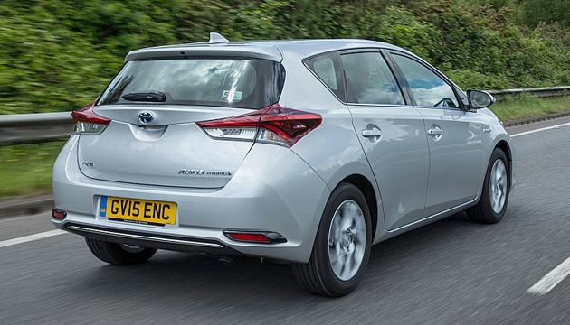 toyota auris hybrid 18 vvti review next green car. Black Bedroom Furniture Sets. Home Design Ideas