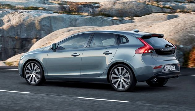 Lower emissions for updated Volvo V40 | Next Green Car