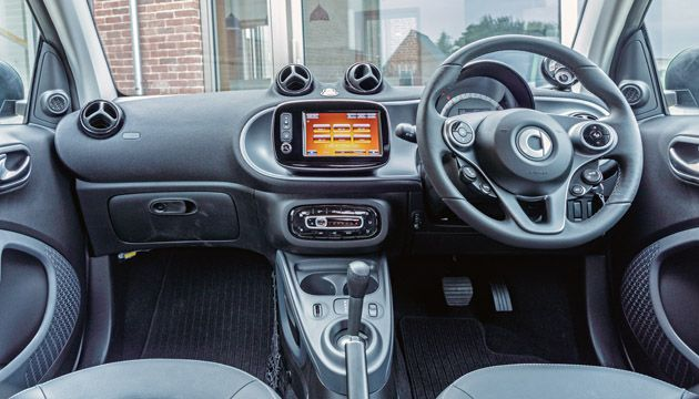 smart fortwo coupe ed interior