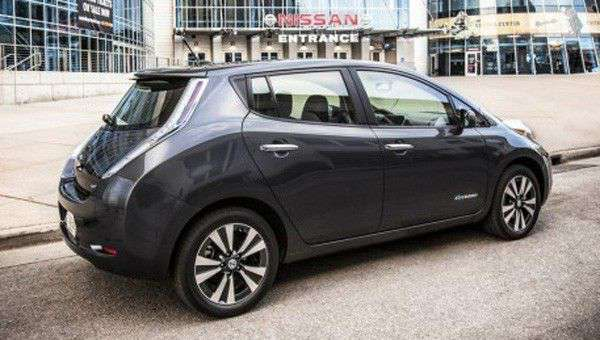 New Nissan LEAF begins US production