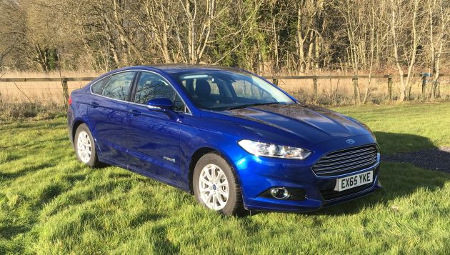 ford mondeo hybrid review next green car. Black Bedroom Furniture Sets. Home Design Ideas