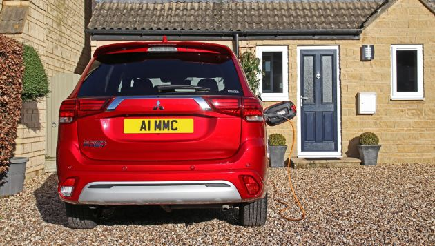 10,000 free miles from Ovo for Mitsubishi Outlander PHEV customers