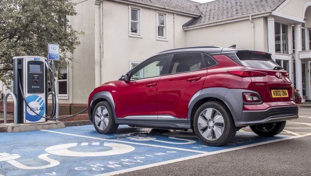 EV market grows 30% despite cuts to grants