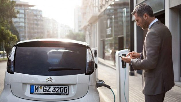 Alphabet Exceeds 700 Ev Leases Next Green Car