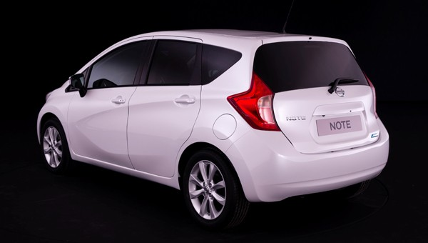 nissan note acenta premium review next green car. Black Bedroom Furniture Sets. Home Design Ideas