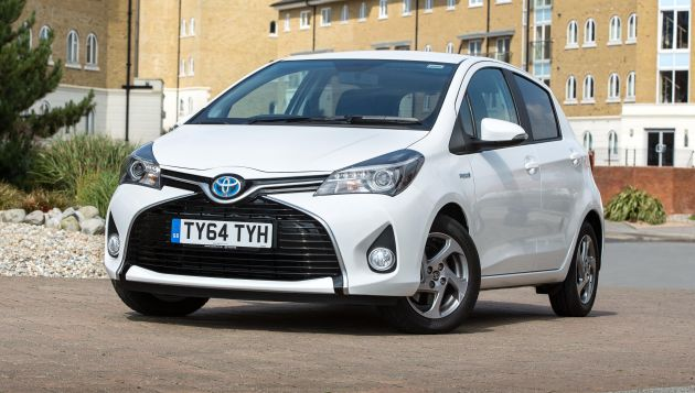 toyota yaris hybrid now available in active and sport. Black Bedroom Furniture Sets. Home Design Ideas