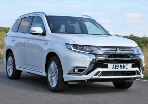MITSUBISHI Outlander PHEV 2.0 Juro 4WD Auto (Leather), Plug-in Petrol Hybrid, CO2 emissions 41 g/km, MPG 166.0