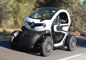 RENAULT Twizy Dynamique 13kW Auto, Electric (av UK mix), CO2 emissions 0 g/km, MPG 210.6