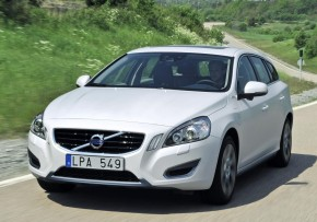 Volvo V60 Plug In Hybrid D6 Awd Geartronic Sel